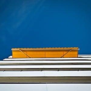 Protections solaires : store banne et store vénitien